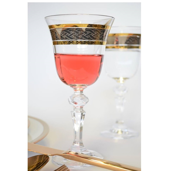 Ποτήρι κρασιού με χρυσό και μπρονζέ