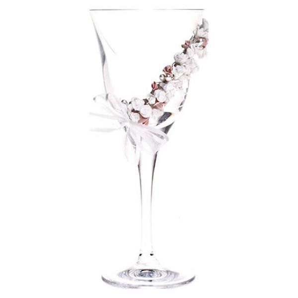 Κρυστάλλινο ποτήρι κρασιού με πορσελάνινα λουλούδια