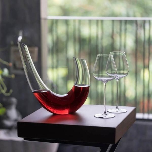 Κρυστάλλινη καράφα κρασιού Parabolla